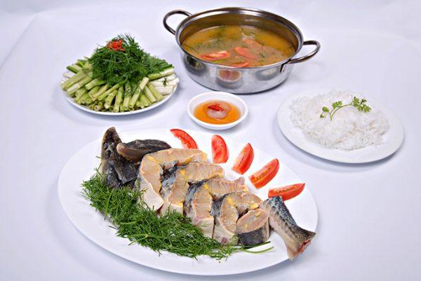 Món lẩu cá tầm Đà Lạt danh tiếng tại nhà hàng Memory