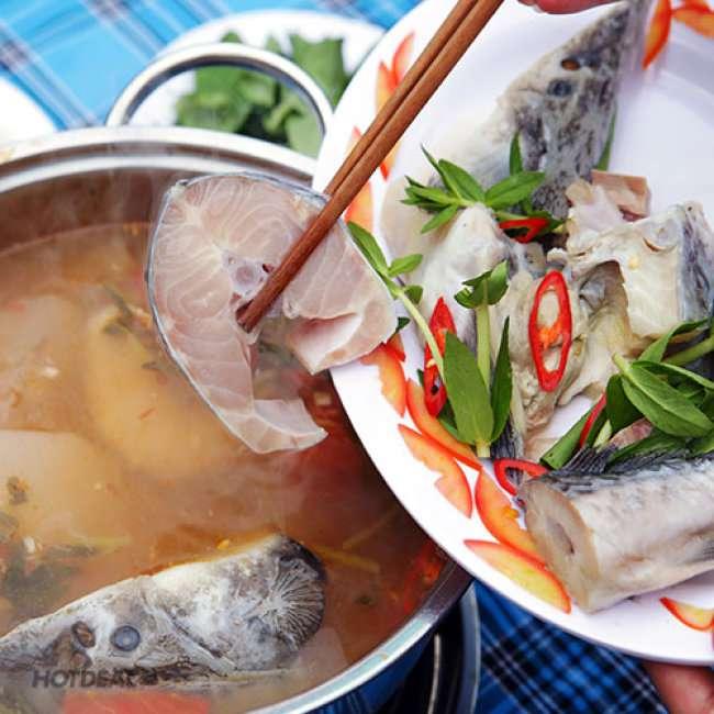 Lẩu cá Tầm Đà Lạt ngon tuyệt là một trong những món ăn danh tiếng của nhà hàng Memory