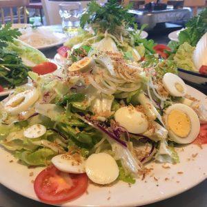 Món salad trộn bò ngon tuyệt của Memory - toplist nhà hàng ngon ở Đà Lạt