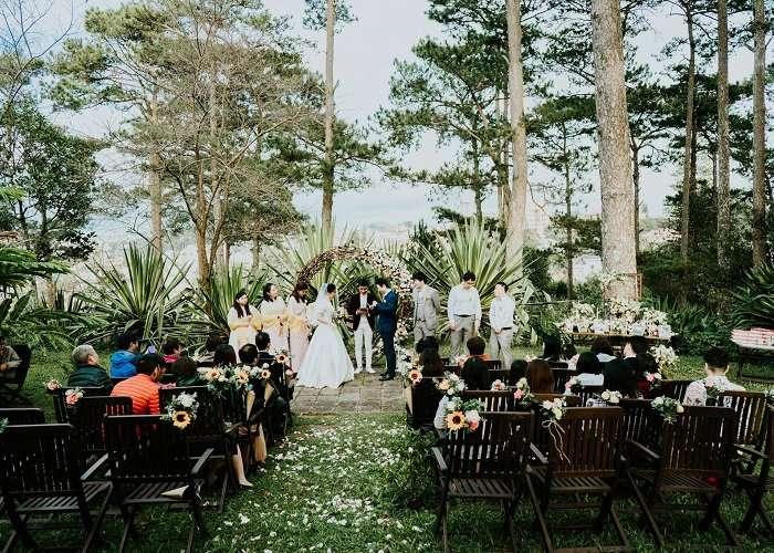 Đây là địa điểm tổ chức tiệc cưới ngoài trời đẹp nhất Đà Lạt lý tưởng cho các đồi uyên ương