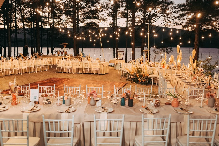 Khung cảnh tổ chức tiệc cưới ngoài trời đẹp nhất Đà Lạt