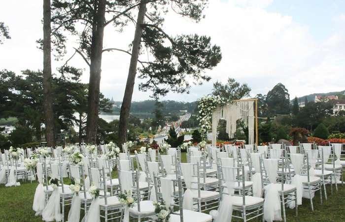 Taracotta tổ chức tiệc cưới ngoài trời lãng mạng và đây thơ mộng