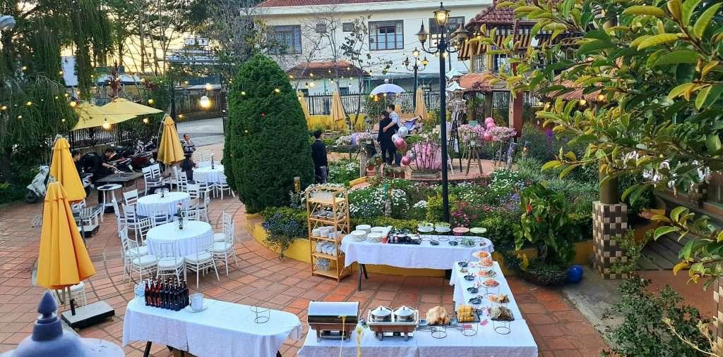 Nhà hàng khách sạn Memory tiêc cưới ngoài trời đẹp nhất ở Đà Lạt