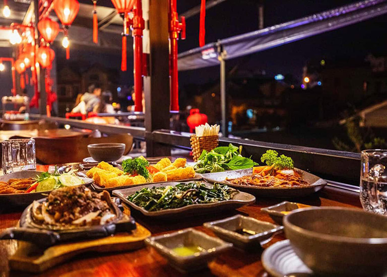 Món ăn đặc sắc nhà hàng Sông Mây