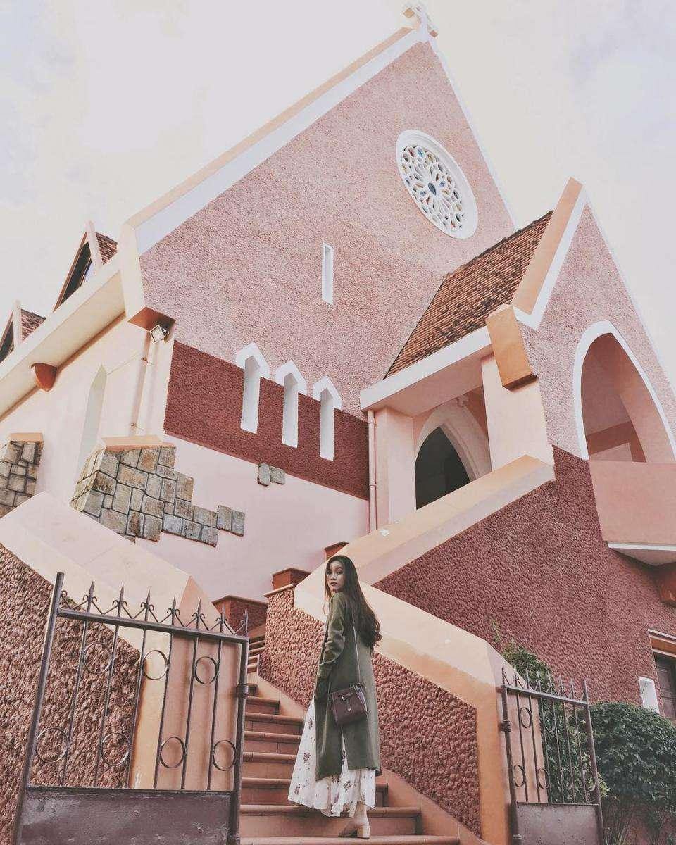 Nhà thờ Domaine de mari- Nhà thờ với lối kiến trúc độc đáo