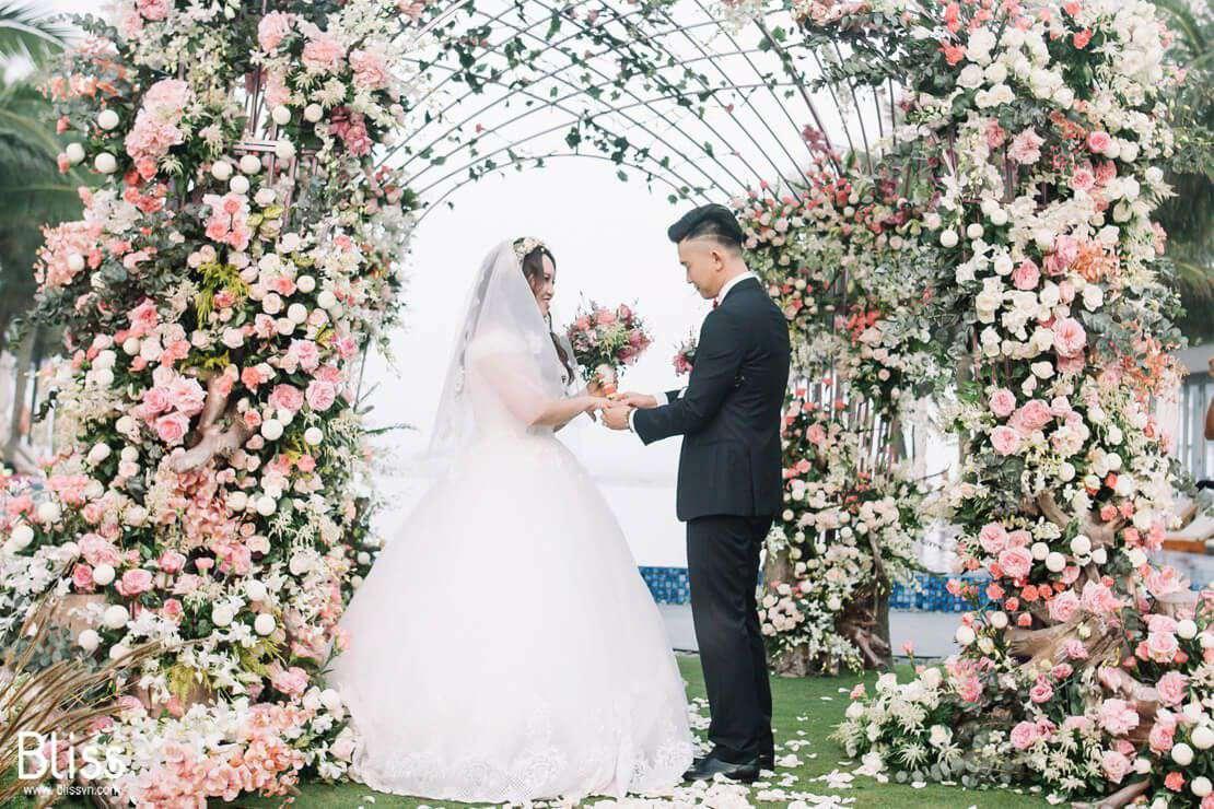 Tiệc cưới ngoài trời đẹp nhất Đà Lạt của các cặp đôi